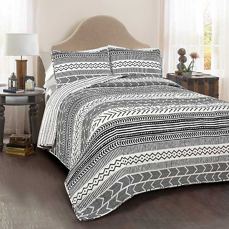black and white king size quilt