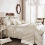 Buying luxury bedding sets