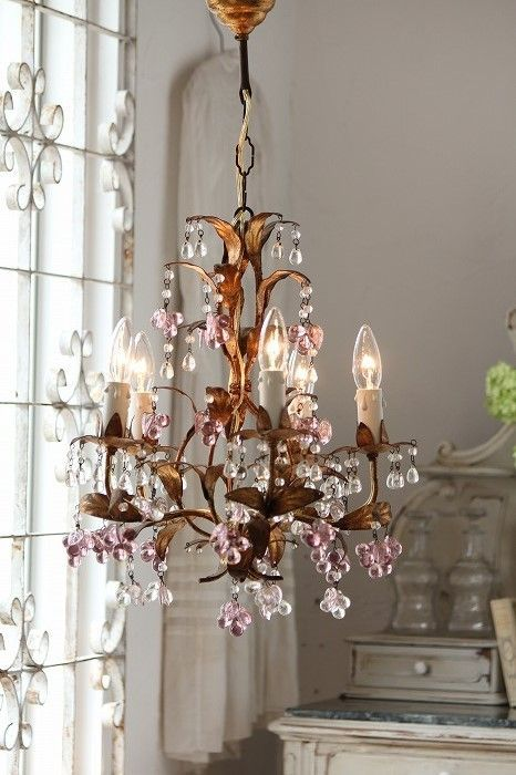 Decorate your home with antique chandeliers