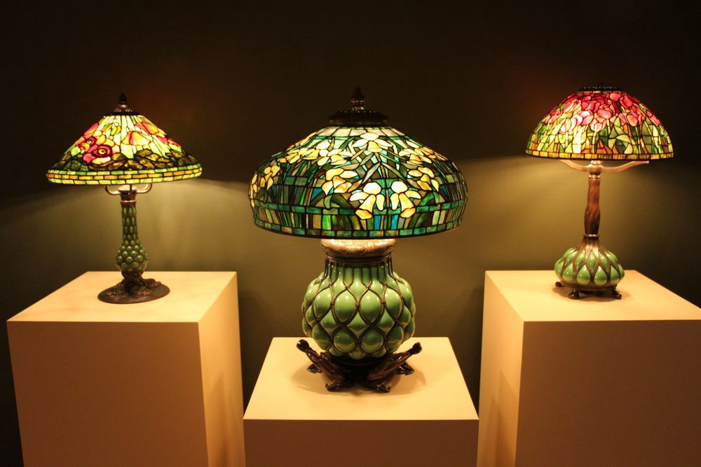Decoration with glass lamps