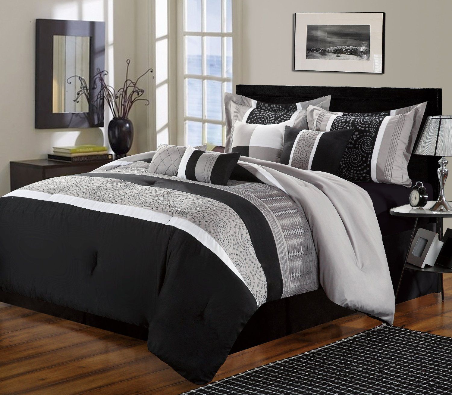The modern comforters and bedspreads are very easy in use